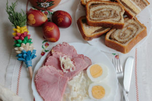 Obilje slovenskih velikonočnih dobrot